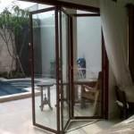 pintu lipat ruang taman kaca aluminium 2